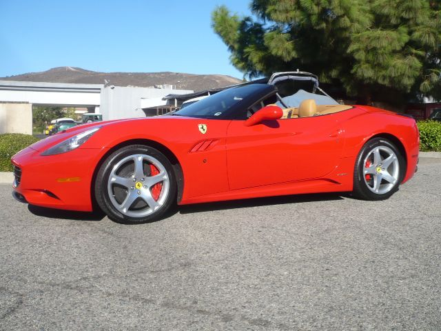 2009 FERRARI CALIFORNIA BASE 2DR CONVERTIBLE rosso corsa red gorgious 2009 ferrari california 2-d