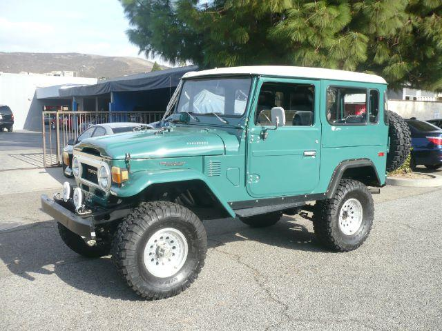 1977 TOYOTA LAND CRUISER FJ 40 green fully restored extra clean 1977 toyota land cruiser fj 40 2