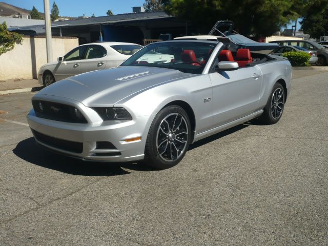 2013 FORD MUSTANG GT PREMIUM 2DR CONVERTIBLE silver like new one owner 2013 ford mustang gt prem