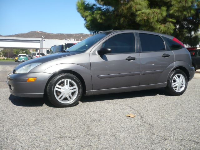 2002 FORD FOCUS ZX5 4DR HATCHBACK gray economic extra clean 2002 ford focus zx5 4-door hatchback