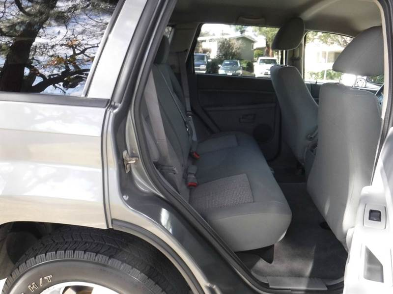2007 Jeep Grand Cherokee Laredo 4dr SUV 4WD - Thousand Oaks CA