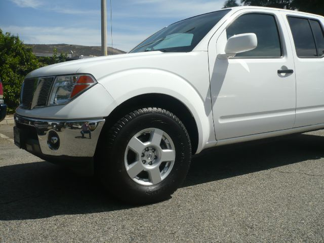 2007 NISSAN FRONTIER SE CREW CAB 2WD white one owner 2007 nissan frontier crew cab se 4-door pick