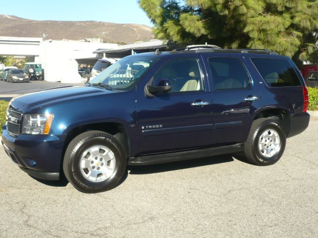2009 CHEVROLET TAHOE LT 4X2 4DR SUV W2LT dark blue metallic local one owner extra clean 2009 c