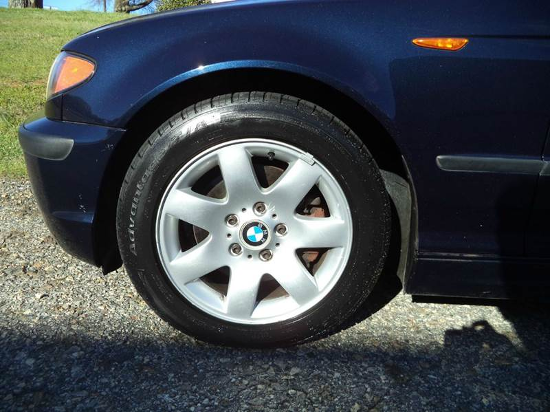 2004 BMW 3 Series 325i 4dr Sedan - Mooresville NC