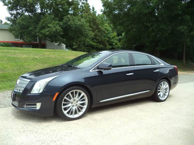 2013 Cadillac XTS Platinum Collection AWD 4dr Sedan - Mooresville NC