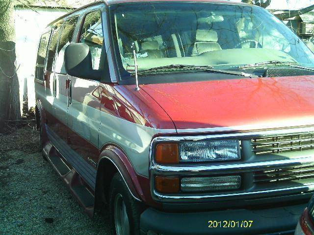 1999 Chevrolet Express for sale in South Beloit IL