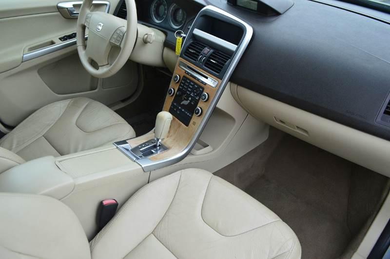 2010 Volvo XC60 AWD T6 4dr SUV - Spring Hill TN