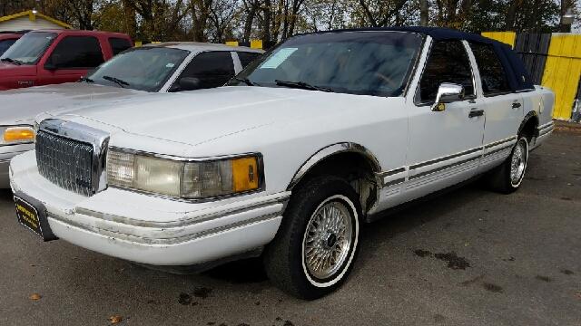 1994 lincoln town car signature 4dr sedan in dallas tx for Mega motors inc duncanville tx