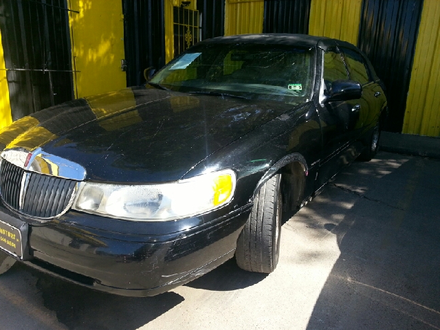 1998 lincoln town car signature 4dr sedan in dallas tx for Mega motors inc dallas tx