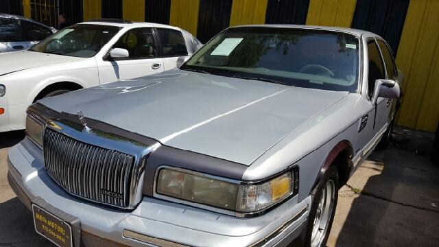 1996 lincoln town car signature 4dr sedan in dallas tx for Mega motors inc duncanville tx