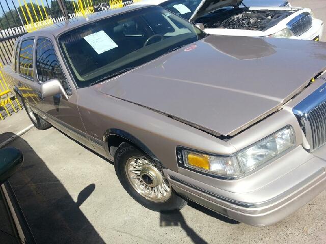 1997 lincoln town car executive 4dr sedan in dallas tx for Mega motors lake june