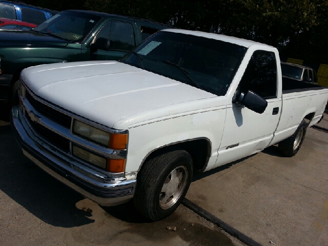 1998 Chevrolet C K 1500 Series C1500 Cheyenne 2dr Standard
