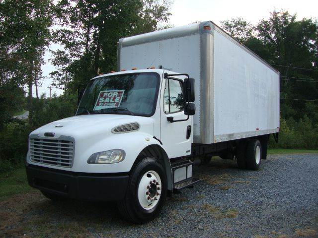 2004 Freightliner Business class M2
