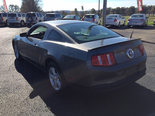 2010 Ford Mustang V6 2dr Coupe - Jackson OH