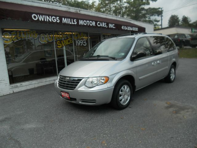 2007 Chrysler Town and Country for sale in Owings Mills MD