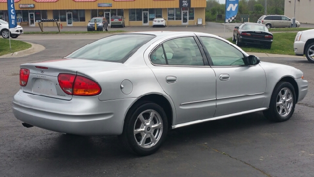 2003 oldsmobile alero gls 4dr sedan in lapeer mi for Thompson motors lapeer mi