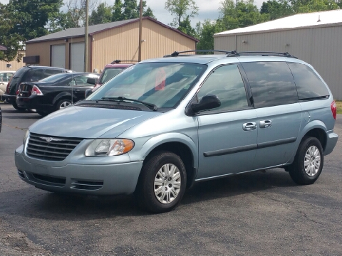 2005 Chrysler Town and Country for sale in Lapeer, MI