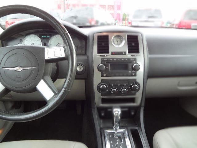 2006 Chrysler 300 Touring - Detroit MI