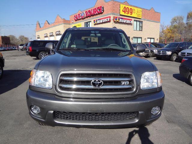 2004 Toyota Sequoia Limited 4WD - Detroit MI