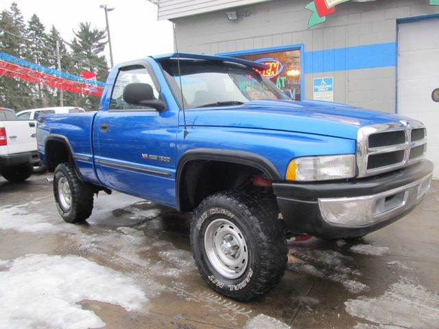 1998 dodge ram pickup 1500 st 2dr 4wd standard cab sb in erie pa johnny bizzarro 39 s fleetwing. Black Bedroom Furniture Sets. Home Design Ideas