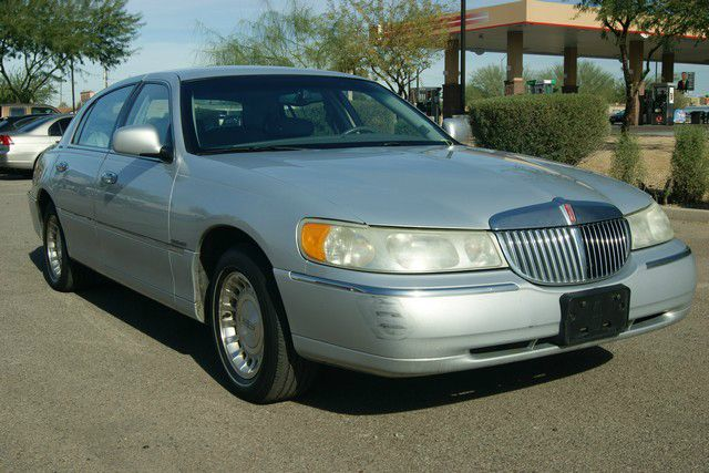 2001 Lincoln Town Car for sale in Phoenix AZ