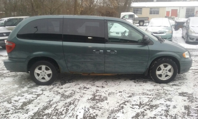 2006 Chrysler Town and Country LX 4dr Extended Mini-Van - Cuyahoga Falls OH