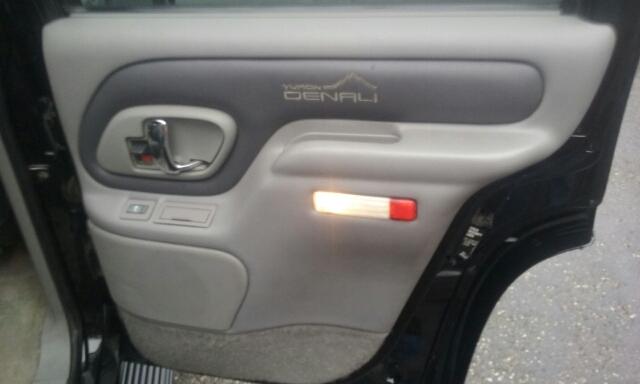 1999 GMC Yukon 4dr Denali 4WD SUV - Cuyahoga Falls OH