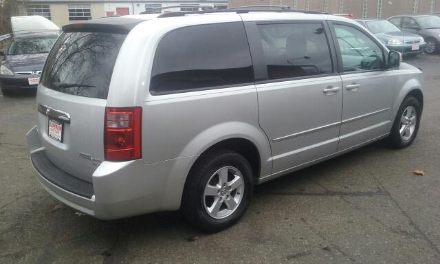 2010 Dodge Grand Caravan SXT 4dr Mini-Van - Cuyahoga Falls OH