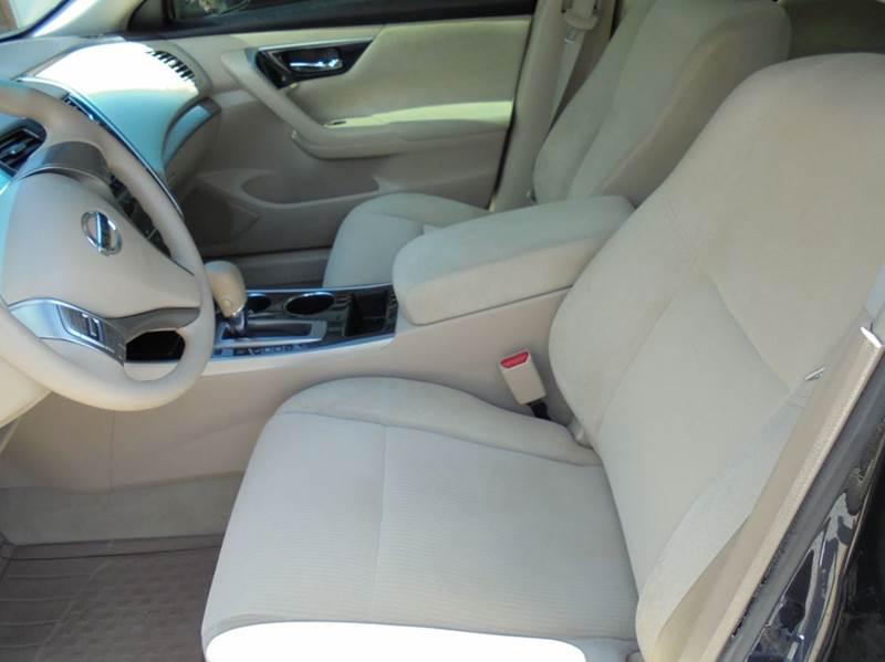 2013 Nissan Altima 2.5 4dr Sedan - Starkville MS