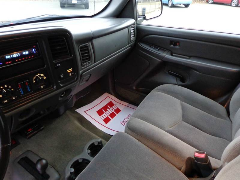 2005 GMC Sierra 2500HD SLE 4dr Extended Cab 4WD SB - Somerville MA