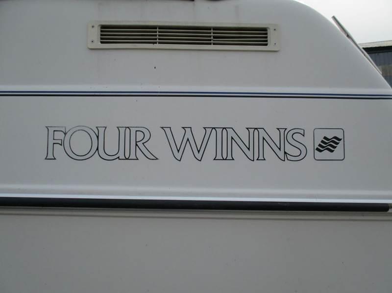1993 Four Winns Vista  - Ludington MI