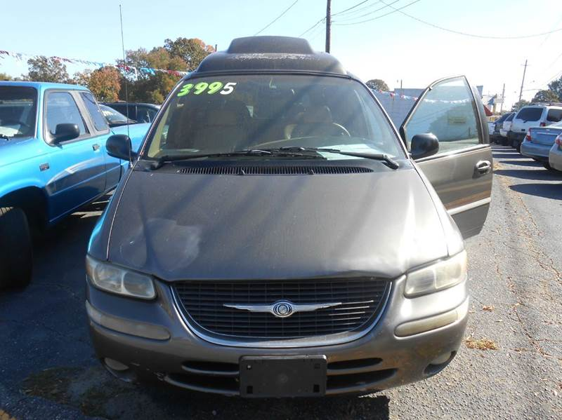 1998 chrysler town and country lxi 4dr extended mini van in hudson nc granite motor co. Black Bedroom Furniture Sets. Home Design Ideas