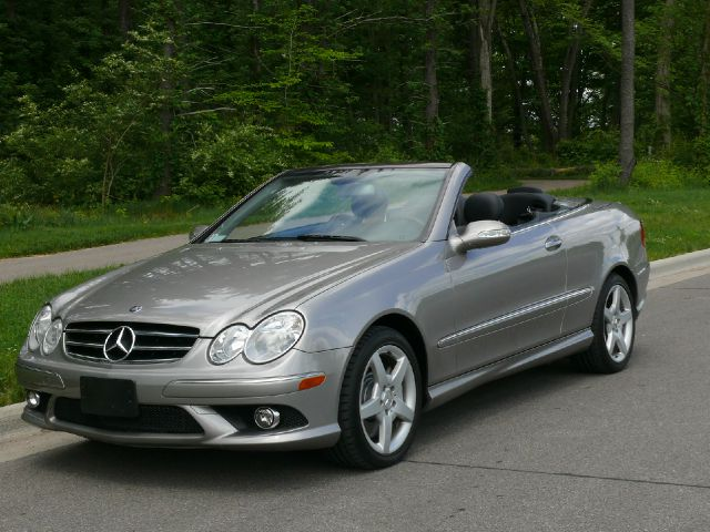 Used 2006 mercedes benz clk class clk500 2dr convertible for Mercedes benz ohio