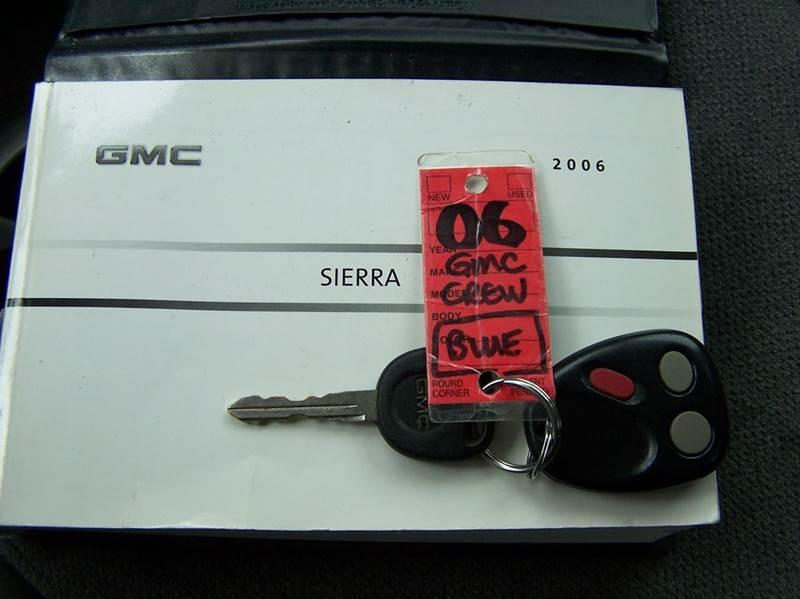 2006 GMC Sierra 1500 SLE1 4dr Crew Cab 4WD 5.8 ft. SB - Estherville IA