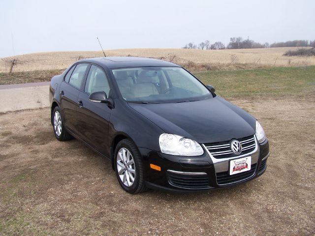 2010 Volkswagen Jetta for sale in Estherville IA