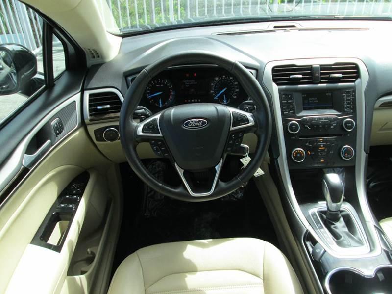 2016 Ford Fusion SE 4dr Sedan - Melbourne FL