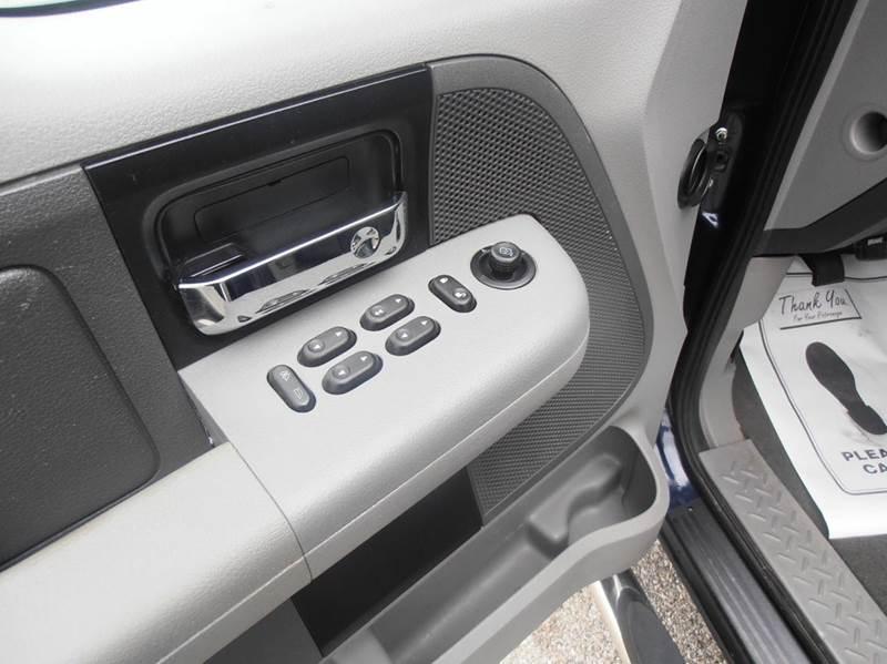2005 Ford F-150 4dr SuperCrew XLT 4WD Styleside 5.5 ft. SB - Mason City IA