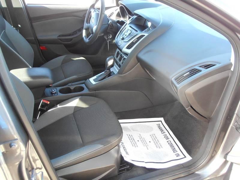2012 Ford Focus SE 4dr Sedan - Mason City IA