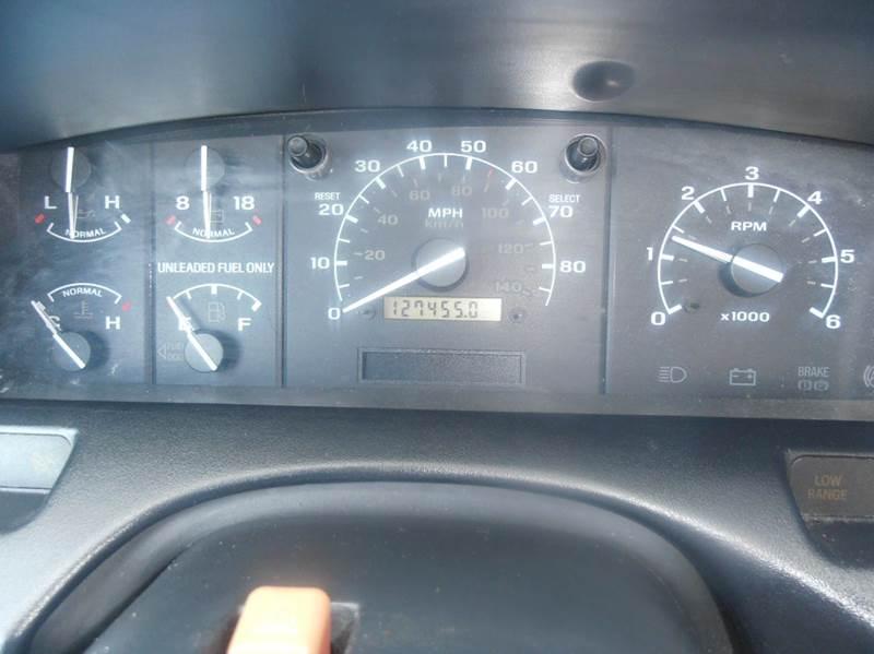 1995 Ford F-150 2dr XL Standard Cab SB - Mason City IA