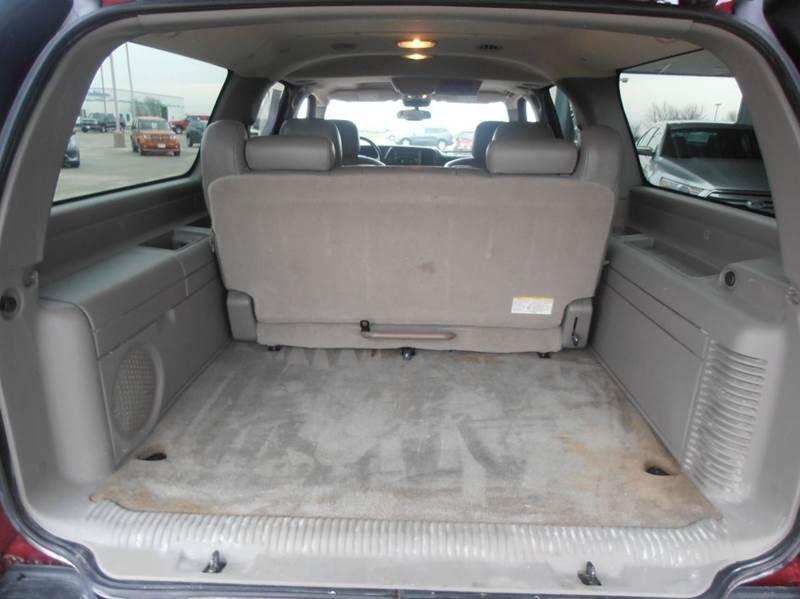2006 Chevrolet Suburban LT 1500 4dr SUV 4WD - Mason City IA