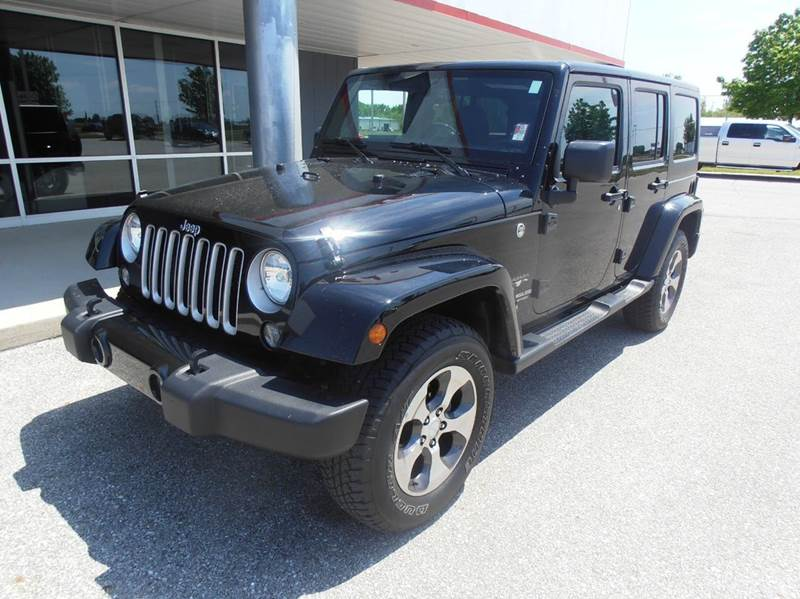 2016 Jeep Wrangler Unlimited Sahara 4x4 4dr SUV - Mason City IA