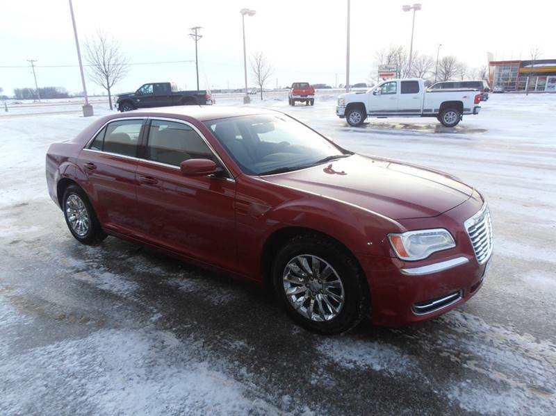 2011 Chrysler 300 4dr Sedan - Mason City IA