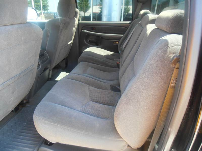 2004 Chevrolet Silverado 2500HD LS 4dr Crew Cab 4WD SB - Mason City IA