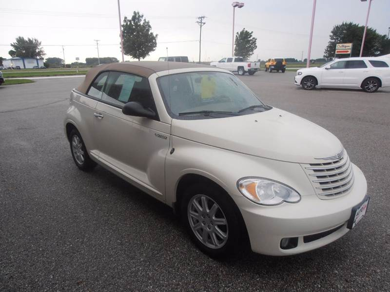 2006 Chrysler PT Cruiser Touring 2dr Convertible - Mason City IA