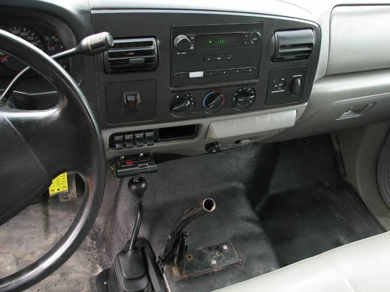 2005 Ford F-350 Super Duty XL 2dr Standard Cab 4WD LB DRW - Loveland OH