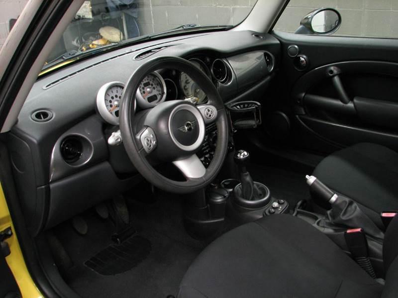 2005 MINI Cooper Base 2dr Hatchback - Loveland OH
