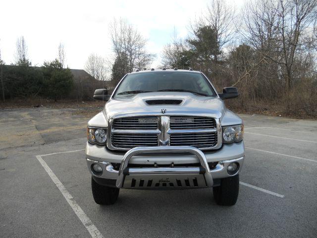 2004 Dodge Ram Pickup 2500