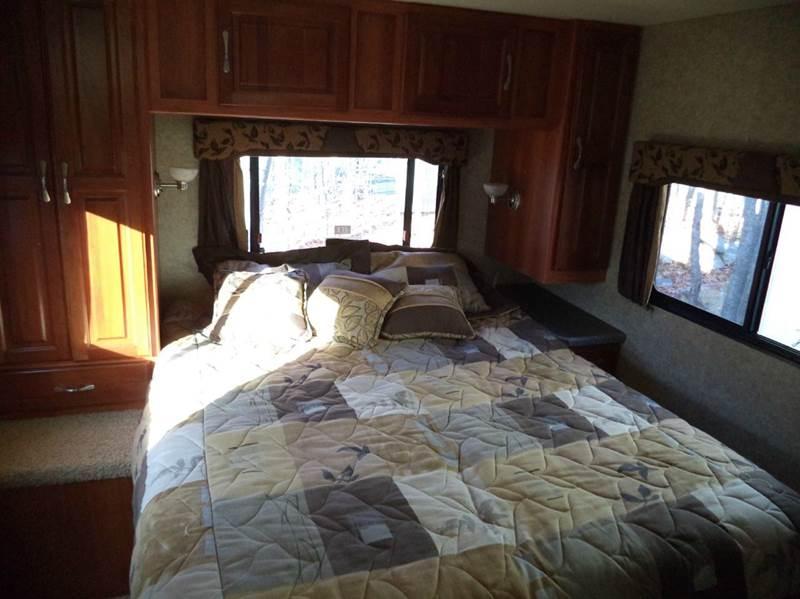 2007 Coachmen Leprechaun  317 KS - Kingston NH
