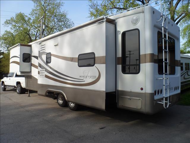 2005 DOUBLE TREE MOBILE SUITE 36