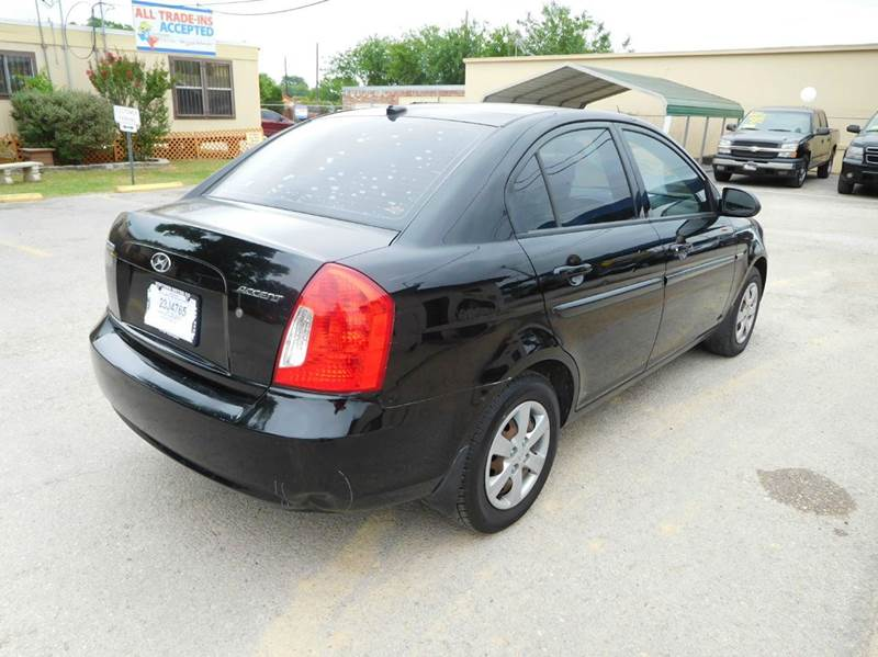 2009 Hyundai Accent GLS 4dr Sedan - San Antonio TX